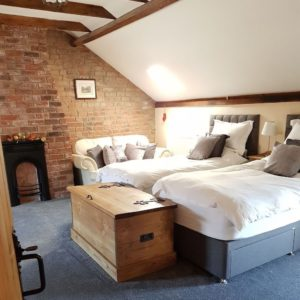 North Kingsfield Cottages The Stable twin bedroom