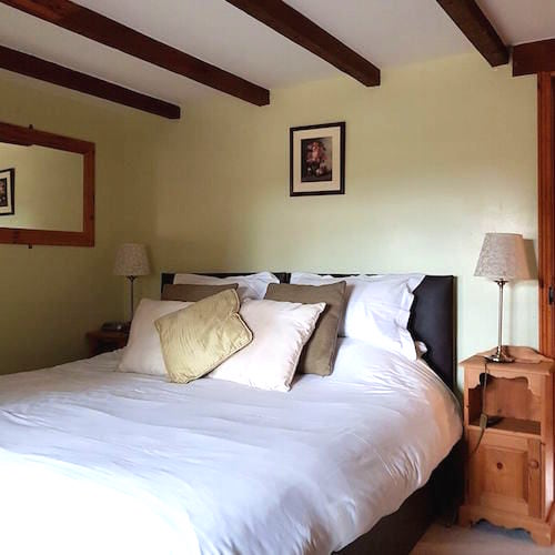 North Kingsfield holiday cottages double bedroom